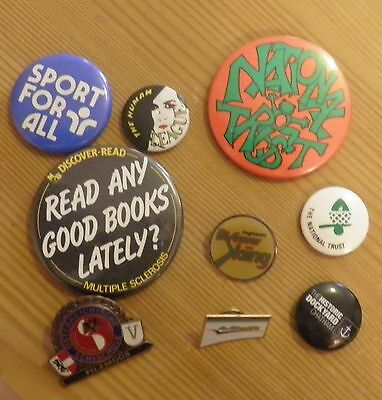 Job lot of vintage/retro badges ,music ,charity,travel
