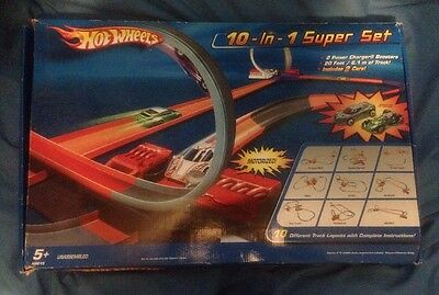 Hot Wheels 10 In 1 Super Set / 2009 Playset Near Complete Vgc!