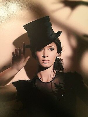 Emily Blunt  ~ HAND SIGNED ~ 10x8 photo ~ The Girl On The Train ~ AUTOGRAPH