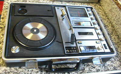 Vintage Sanyo Solid Stae Music System Record Player Radio Cassette Record G2615N