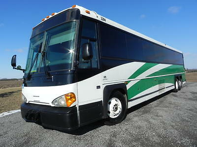 MCI 57 PASSENGER COACH mint condition fully serviced like PREVOST VAN HOOL