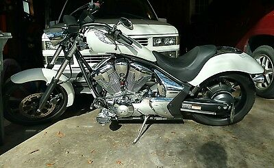2011 Honda Fury  2011 Honda Fury Motorcycle With Extras Only 3,000 miles