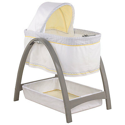 Summer Infant Bentwood Bassinet with Motion - Grey