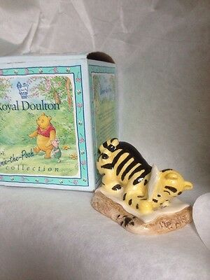 Royal Doulton Winnie The Pooh Figurine Wp6 Tigger Signs The Rissolution Boxed