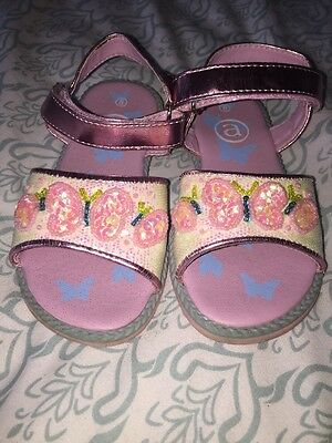 Girls Pretty Sandals Size 8