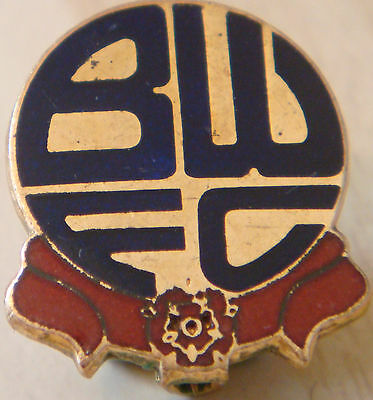 BOLTON WANDERERS Vintage club crest type badge Brooch pin In gilt 20mm x 22mm