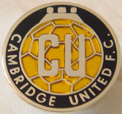CAMBRIDGE UNITED Club crest type badge Stud fitting In gilt 22mm x 22mm
