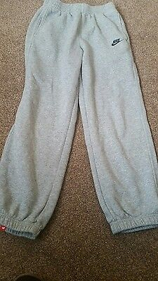 Nike jogging bottoms age 12/13 years