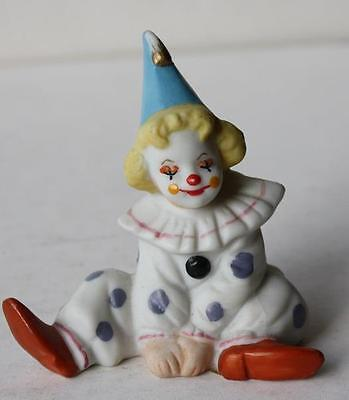 Vintage 1989 Ceramic-Porcelain Geo Z Lefton Clown Figurine Sitting Down- 07320