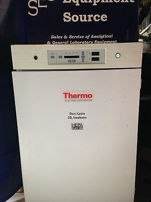 Incubator Thermo Forma Steri-cycle  370
