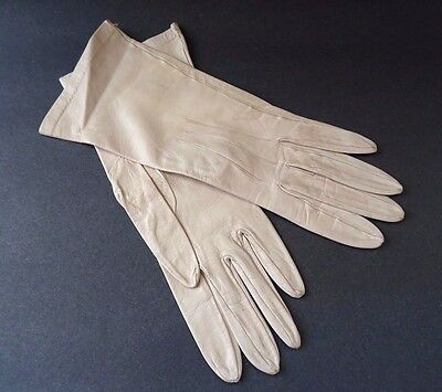 True Vintage Ladies Butter Soft Real Leather Gloves Size 7 Made in England Cream