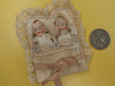 Antique 2 baby Dolls in bed Germany mini dollhouse   Limbach 1920-