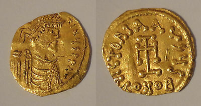 CONSTANS II (641-668). OR GOLD Tremissis. Constantinople.
