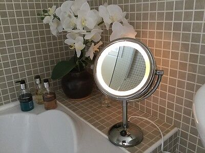 Boots No 7 Illuminated Make Up Mirror