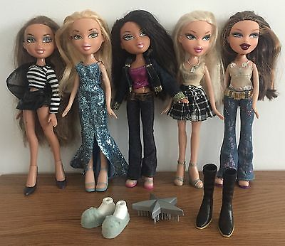 f) 5 Bratz Dolls Bundle - With Clothes, Brush & Extra Shoes