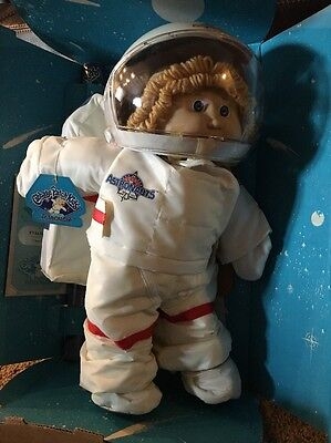 Vintage 1986 Cabbage Patch Kids Young Astronaut Girl Doll ~ Blonde W/ Blue Eyes