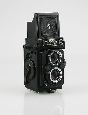 YASHICA MAT-124 G TLR Camera with Case - Excellent & Fully Working (EZ35)