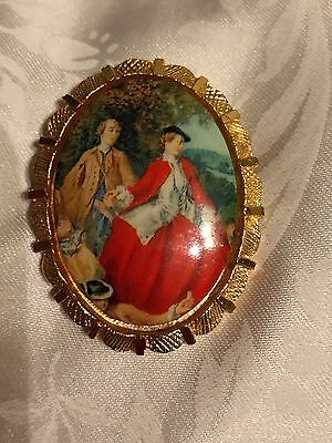 Beautiful Vintage Collectable Victorian Scene Brooch Man And Woman Gold Tone