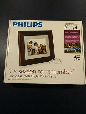 """Phillips Digital Photo Frame 8"""" LCD Panel With Brown Wood Frame"""