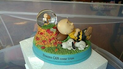Hallmark 2012 Peanuts Gallery Dreams Can Come True handcrafted water globe