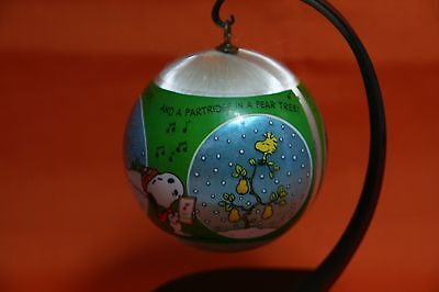 1980 Hallmark Tree-Trimmer Peanuts Snoopy Satin Ball Christmas Ornament