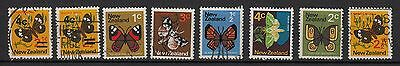 V72) Lot x8 TIMBRES stamps (Oblitéré-Used) New-Zealand / Butterfly