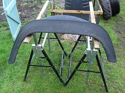 land rover defender Front O/S Drivers wheel arch 90,110,130
