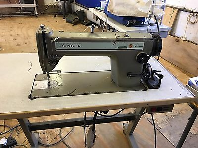 Singer 191D flat bed straight stitch industrial sewing machine