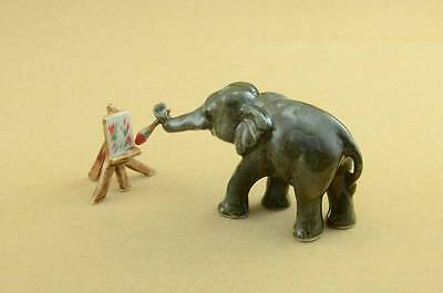 New Amazing Elephant Doing Paintings Figurine Really Cute *mint*