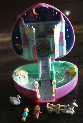1992 Bluebird Polly Pocket coeur chateau + personnages