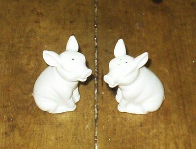 Salt And Pepper Pots Pigs  Never Been Used.
