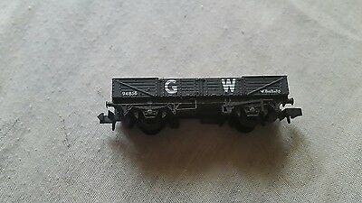 A model railway long 5 plank wagon in N gauge by peco unboxed with load