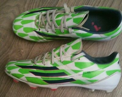 chaussures de football Adidas f10 taille 44 tbe