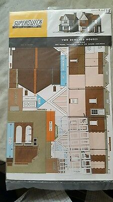 A model railway card kit in ho / oo of two detached houses by super quick