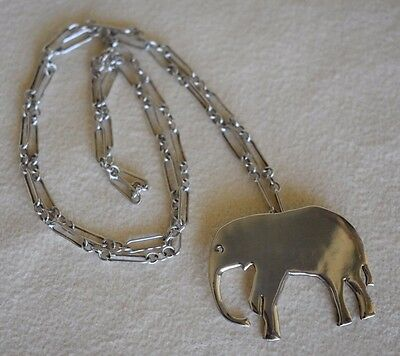 Modernist Vintage Sterling Silver Baby ELEPHANT Pendant Open Link Chain Necklace