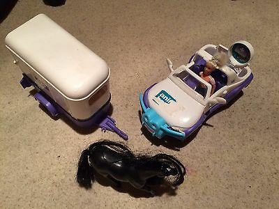 ANIMAL HOSPITAL Rescue Jeep Horse and Trailer Toy - Good Used Condition