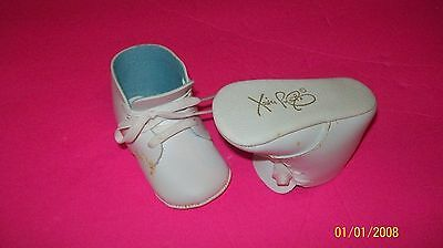 CABBAGE PATCH SOFT SCULPTURE BABY shoes signed xavier robert  old vintage 30+yrs