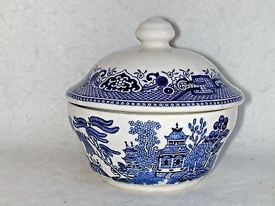 "Churchill China Blue Willow Covered Sugar Bowl 3 ¾"" x 4"" England MINT"