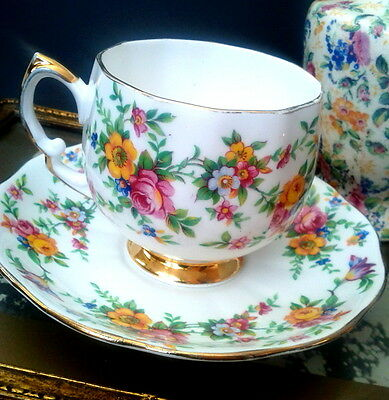 Rare Antique Royal Vale c1930s Pink & Yellow Rose Garland Chintz Teacup & Saucer