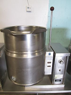"""""""VULCAN VEC 10"""" HD COMMERCIAL 3Ph. ELECTRIC 10gal STEAM JACKETTED TILTING KETTLE"""