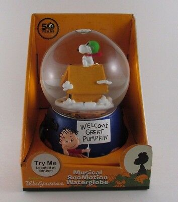 Peanuts 50th Anniversary Musical Motion Snowglobe Snoopy Red Baron Great Pumpkin