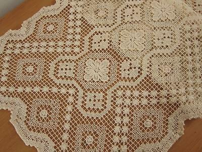 Vintage Table Runner Ecru Knotted Lace with Flowers