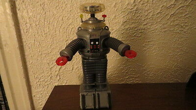Lost in Space Robot B-9 12 inch Trendmasters 1997