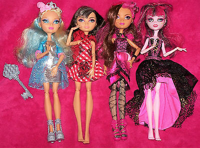 Job lot / BUNDLE of EVER AFTER HIGH Dolls (4)