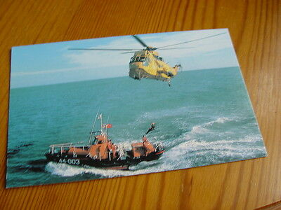 TPT079 - Postcard - Waveney Class Self-Righting Lifeboat & RAF Helicopter 44-003