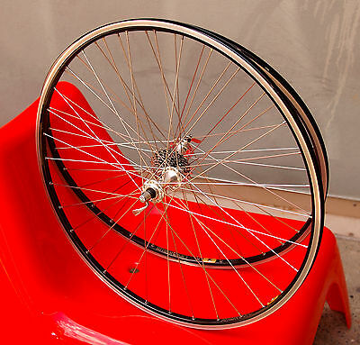 Handbuilt Campagnolo Wheelset 9 - 10 - 11 Speed  Ambrosio 32 Hole Clincher Rims