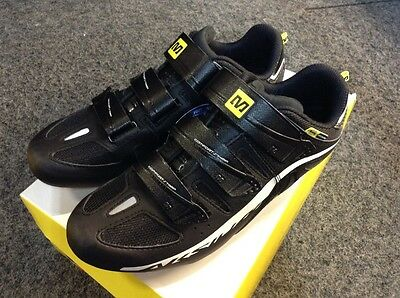 New and Unused Mavic Aksium Cycling Shoes Size 7.5 Black/White