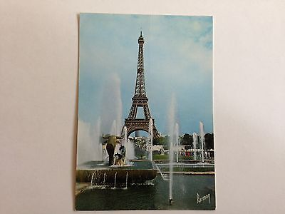France Paris Tour Eiffel Jets D'eau Postcard 1984