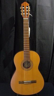 Hofner HF11 Classical Guitar (STORE DEMO) Great Condition!