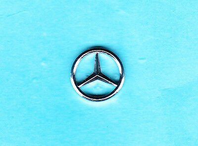 Silberner Mercedes-Benz - Pin    12,5mm 2mm